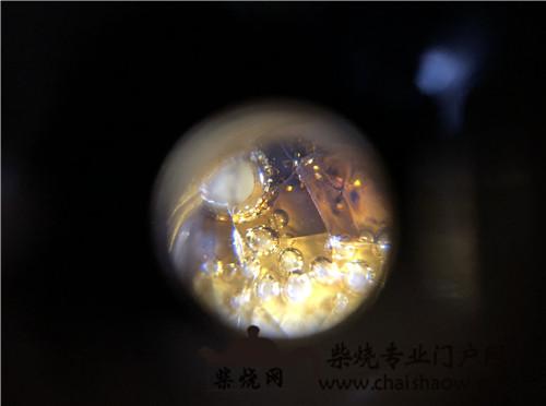 显微镜下的柴烧壶肌理