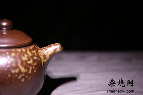传统的龙窑柴烧与现代柴烧
