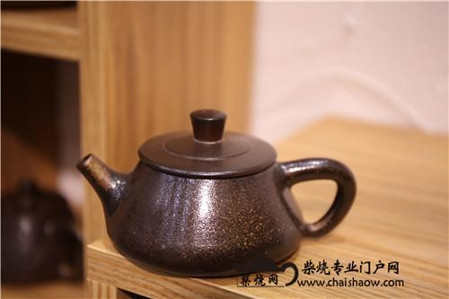 柴烧壶,见茶器如见茶人