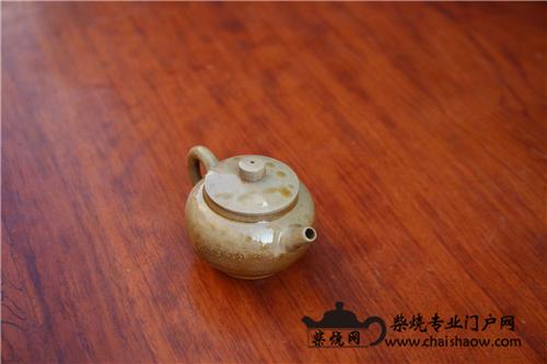 用同一把柴烧壶泡不同的普洱生茶可以吗?