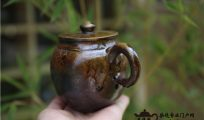 建水紫陶柴烧的釉色会影响柴烧茶器的透气性吗