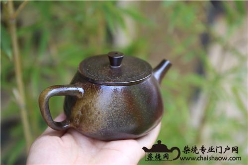 素器柴烧壶更能体现陶的质朴、大气
