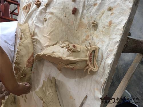 传统手工陶艺成型方式