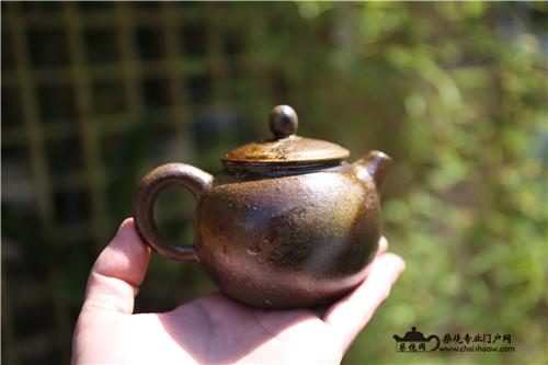 茶席上的柴烧壶