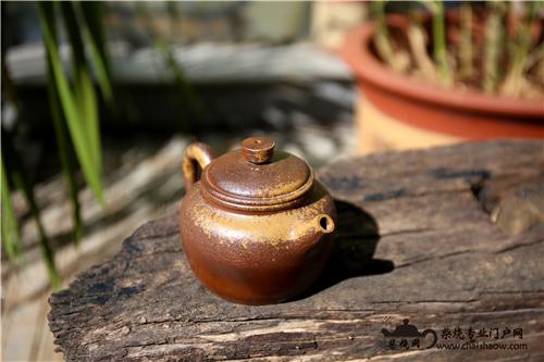 普洱茶和柴烧壶一见倾心