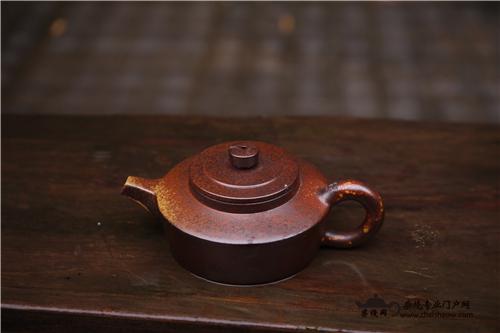"""一把柴烧壶、一个柴烧杯""""烧老了""""会出现哪些特征"""