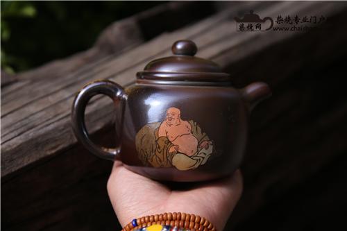 建水紫陶柴烧独一无二的湿坯刻填彩绘装饰工艺