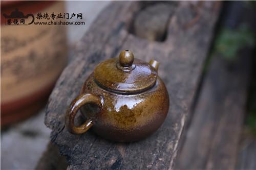 品一口清茶,赏一把柴烧壶