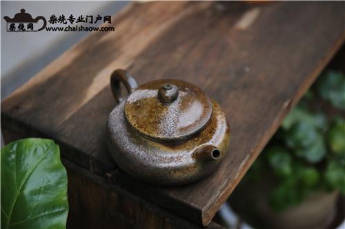 柴烧壶|柴烧茶具如何巧除茶垢留住包浆?