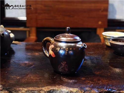 建水紫陶刻填柴烧壶,玩的到底是什么?
