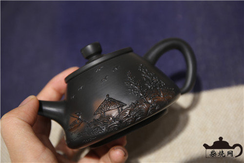 建水紫陶装饰工艺:堆雕之美