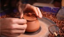 传统制陶工艺与现代紫陶柴烧