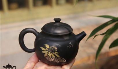 钦州坭兴陶与云南建水紫陶有何区别?