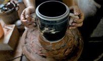 建水紫陶是如何无釉磨光的?