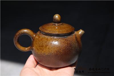 论建水紫陶柴烧壶的实用性、工艺性和艺术性